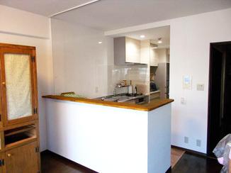キッチンリフォーム 上部の壁を撤去し開放的で明るい空間に。お料理も楽しくなるL型キッチン