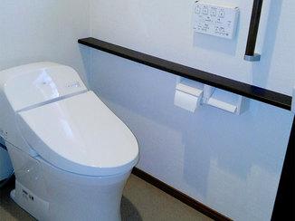 トイレリフォーム つい長居しそうな、家族みんながリラックスできるトイレ空間
