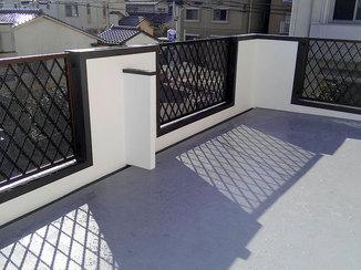 外壁・屋根リフォーム 洗濯物や布団も干せる、広くて明るいバルコニー