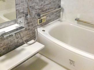 バスルームリフォーム ヒートショックも怖くない、寒暖差をやわらげるお風呂