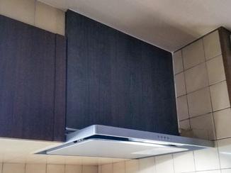 小工事 キッチンに違和感なく馴染むレンジフード