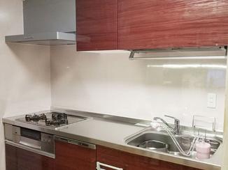キッチンリフォーム 水に強い扉材で、より長持ちなキッチン