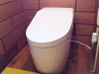 トイレリフォーム タンクレスタイプの、よりコンパクトになったトイレ