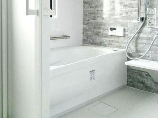 バスルームリフォーム 給湯専用から追い焚き機能付きの浴室にリフォーム