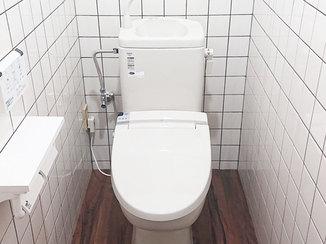 トイレリフォーム 半日でトイレを一新!クッションフロアで寒さが軽減されたトイレルーム