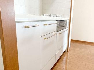 キッチンリフォーム 汚れに強いシートでイメージチェンジしたキッチン